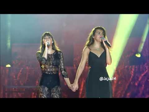 Aitana y Amaia rompen a llorar en directo al cantar juntas 'Con las ganas'