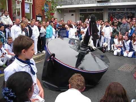 PADSTOW, MAYDAY 2015