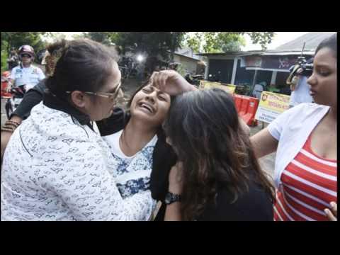 BALI 9 EXCECUTION EMOTIONAL VIDEO OF CHAN AND SUKUMARAN