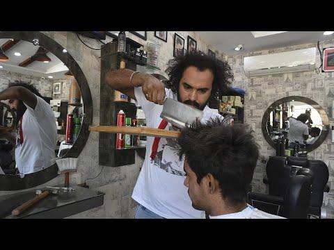 Необычная парикмахерская в Лахоре