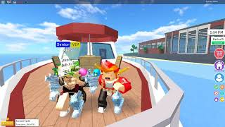 (roblox) - dancing to song - song : Chicken dance