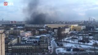 Крупный пожар на складе в Кировском районе Санкт-Петербурга