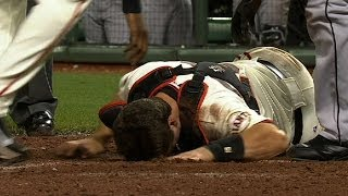 FLA@SF: Posey helped off after collision at home