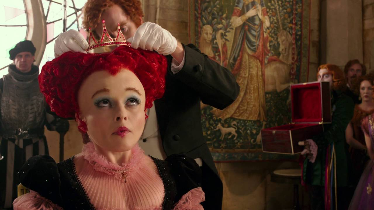 Alice de l'Autre Côté du Miroir - Extrait : Le couronnement de la Reine Rouge I Disney