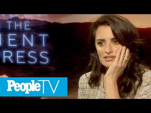 Penélope Cruz Describes Her Near-Death Experience With Salma Hayek Dressed As A Clown | PeopleTV