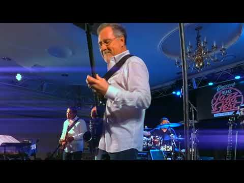 Brian Bromberg's Unapologetically