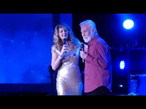 """We've Got Tonight"" Kenny Rogers & Linda Davis@Reading PA Eagle Theater 12/18/16"