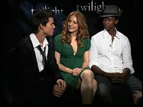 Taylor Lautner, Rachelle Lefevre & Edi Gathegi Talk About 'Twilight'