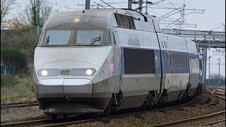 Les trains de la ligne La Rochelle-Poitiers et Nantes-Bordeaux