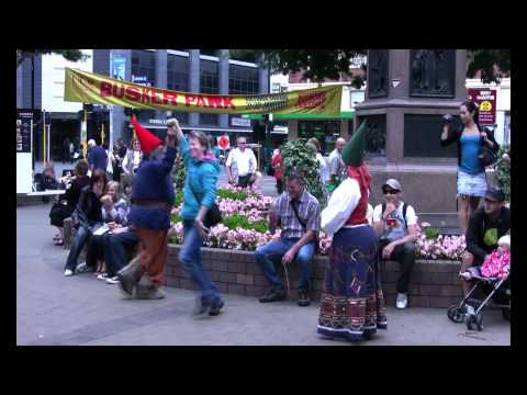 Gnome characters at World Buskers Festival