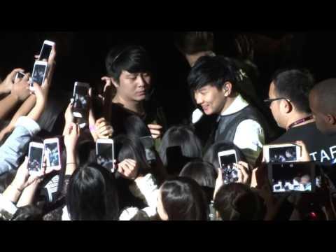 160221 - JJ Lin - 愛笑的眼睛 Smiling Eyes  @ Shrine Auditorium in LA- By Your Side