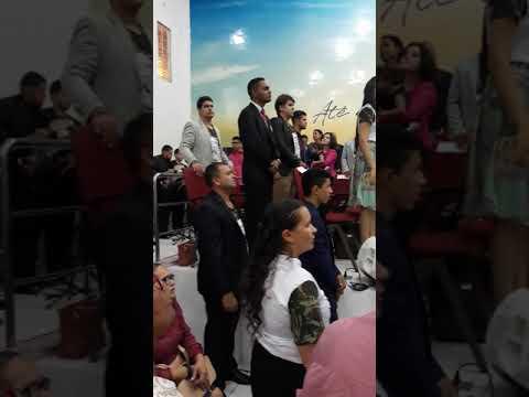 Prefeito de São Pedro dos Crentes Laércio Rodrigues  louvando a Deus em Balsas no Santifica.