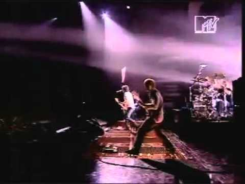 Foo Fighters - All my life Live at MTV...