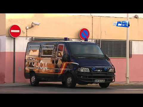 Dos jóvenes detenidos en el Puerto con casi 200 bellotas de hachís adosadas