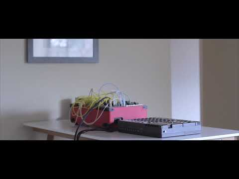 tape loop x modular // self-generative ambient Mp3