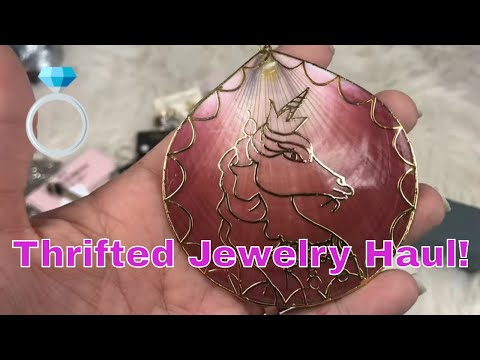 thrifted-jewelry-haul-silver-designer-&-unicorns-&-glamour-jewelry-box-review