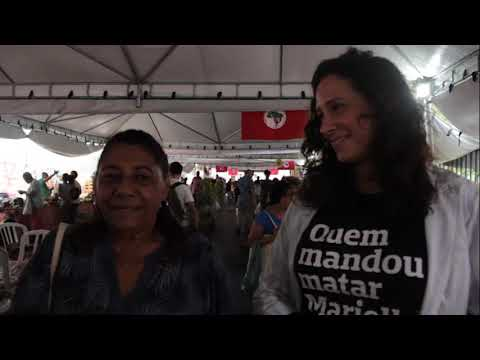 Mãe de Marielle Franco visita 11ª Feira Estadual da Reforma Agrária do Rio de Janeiro.