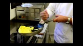 Comment rouler une omelette