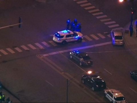 Raw: 2 Chicago Police Officers Shot and Wounded