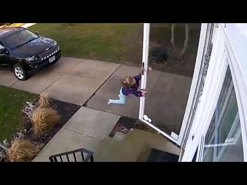 Thumbnail: Watch: Wind gust blows 4-year-old into air
