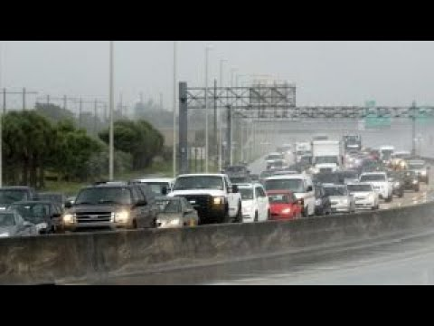 Thousands evacuate Florida ahead of Hurricane Irma