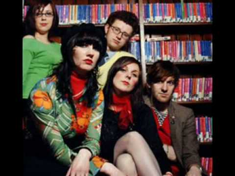 Клип The Long Blondes - Polly