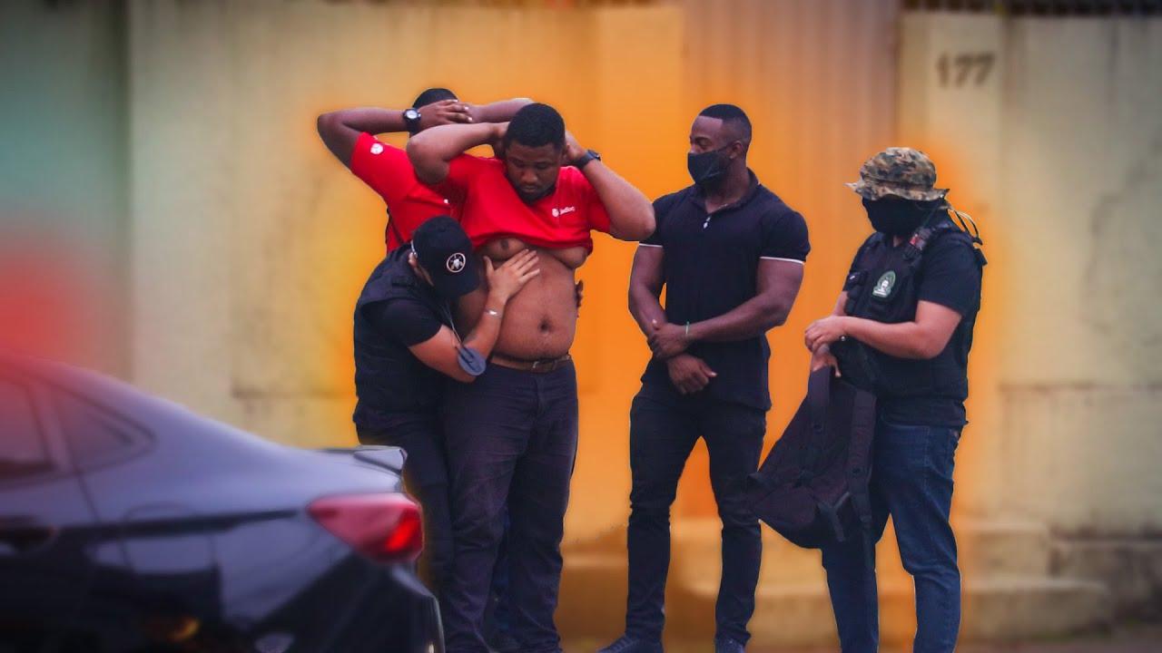 POLICIAL DISFARÇADO 3