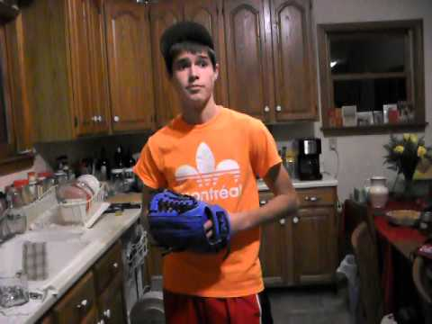 Custom Rolin Glove by Game Time Gloves gets Broken in with Hot Water