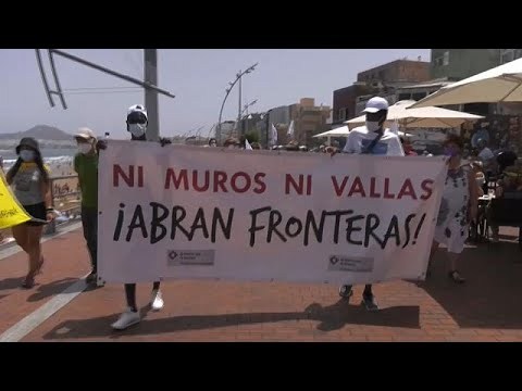 March to show support for migrants held in Canary Islands