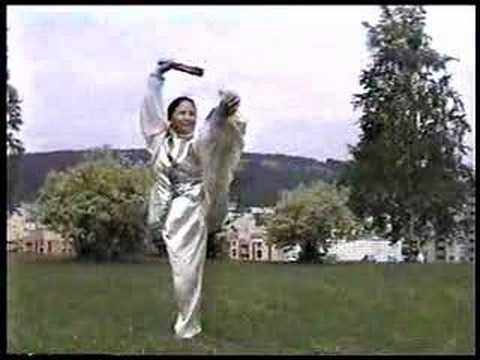 Master Bow Sim Mark: Tai Chi Dragon Fan