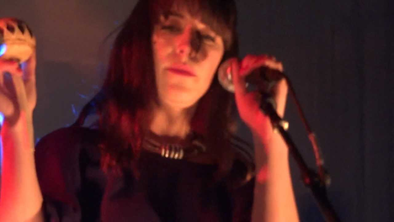 feist-the-limit-to-your-love-royal-albert-hall-london-25-03-12-knappafire
