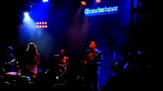 "Colbie Caillat ""Brighter than the Sun"" live"
