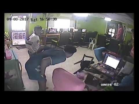 Crazy! Snake Attacks People At An Internet Cafe!