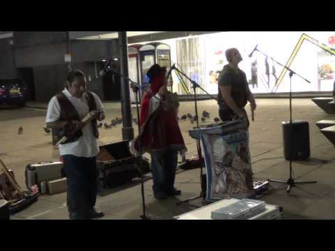 Native American Music in Oxford Street {LONDON}
