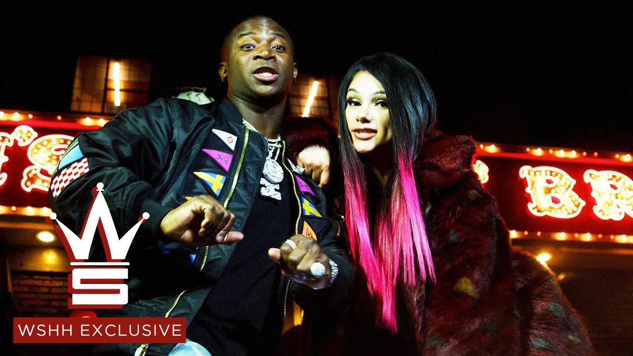 Snow Tha Product Feat. O.T. Genasis - Help A B*tch Out