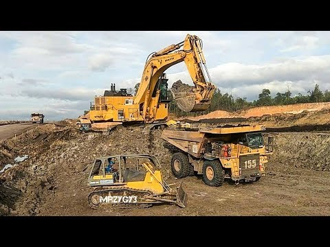 BIG Digger Excavator Dump Truck Bulldozer Working On Coal Mining