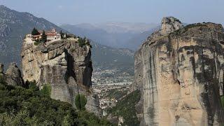 Греция: Метеоры / Greece: Meteora(В этом видео - монастырь Св. Стефана и монастырь Св. Варлаама (оба построены в середине 16-го века), входящие..., 2017-01-28T17:14:44.000Z)