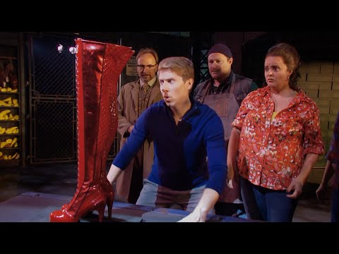 A Look at KINKY BOOTS on Tour!