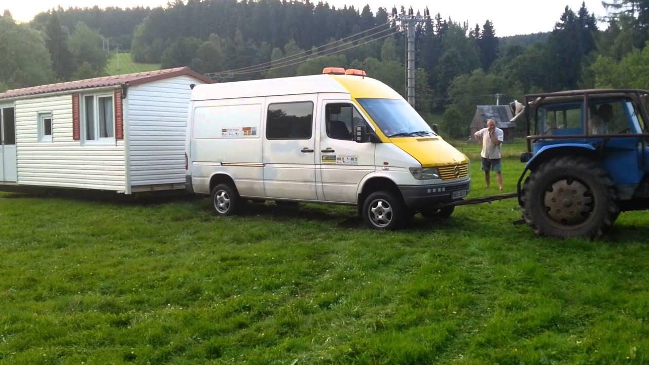Sprinter Camper 4x4 >> Mercedes Sprinter 4x4 a traktor tahá mobilheim - YouTube