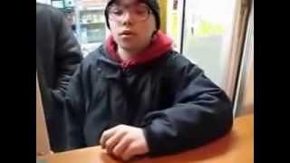 Мальчик хочет купить  телефон за сто рублей.....