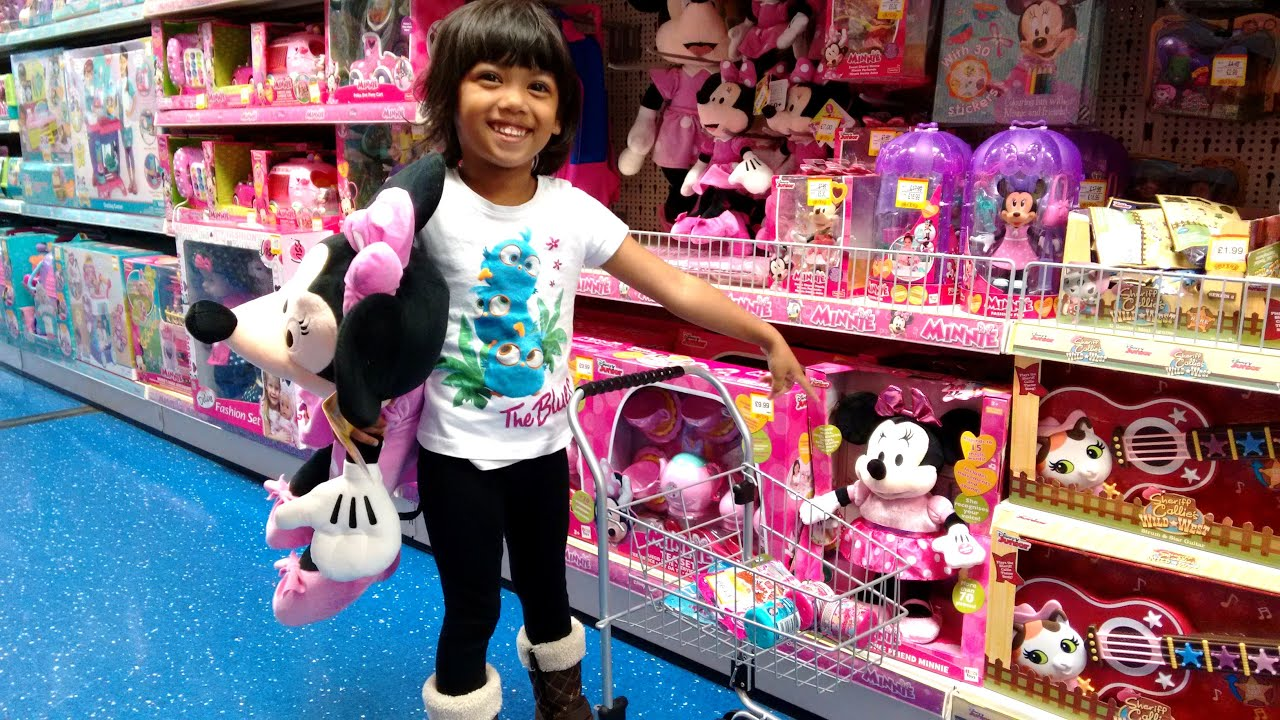 Amazing Little Girl Goes Toy Shopping at Smyths Part 1