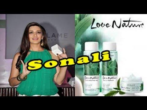 Sonali Bendre Celebrates Success Of Oriflame Products 'Love Nature Range'