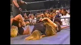 Beulah vs Francine (ECW Weapons CatFight 1996)