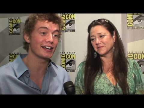 Christoph Sanders & Camryn Manheim  Ghost Whisperer  Studying The Paranormal