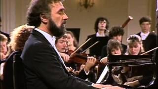 Mozart, Concierto para piano Nº 19, K459. Radu Lupu, piano