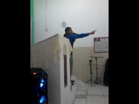 Pr. Vicente Amorim pregando em Cachoeira paulista SP.