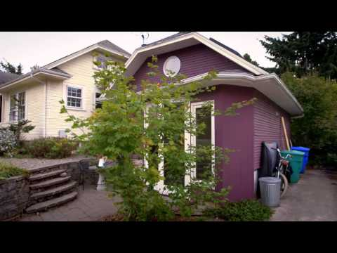 You Live in What? Tiny Garage House