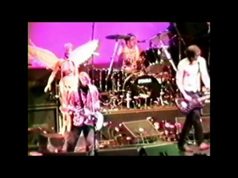 Nirvana - Oakland Alameda County Coliseum Arena, Oakland (12-31-1993)