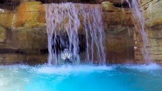The Abyss : Water Slide - Atlantis (Paradise Island, Bahamas)