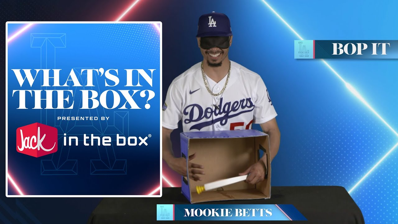 What's in the Box: Bop It Edition - Dodgers (2020)